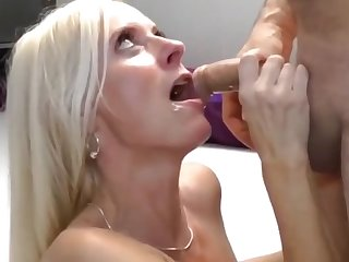 crazy divorced wife having a real orgasm with photographer